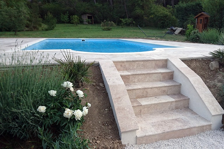 Aménagement extérieur piscine à Ventabren